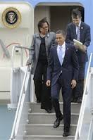 "Left liberal Dennis Kucinich leaving Air Force One with President Obama in 2010. Obama was pressing Kucinich to drop his insistence on ""single payer"" and support ""Obamacare"" instead. With them was Congresswoman Marcia Fudge (D. Ohio) who supported Obamacare. Shortly after this plane ride, Kucinich did as Obama demanded. What should Sanders supporters expect from Sanders meeting with Obama except that he support Hillary Clinton?"